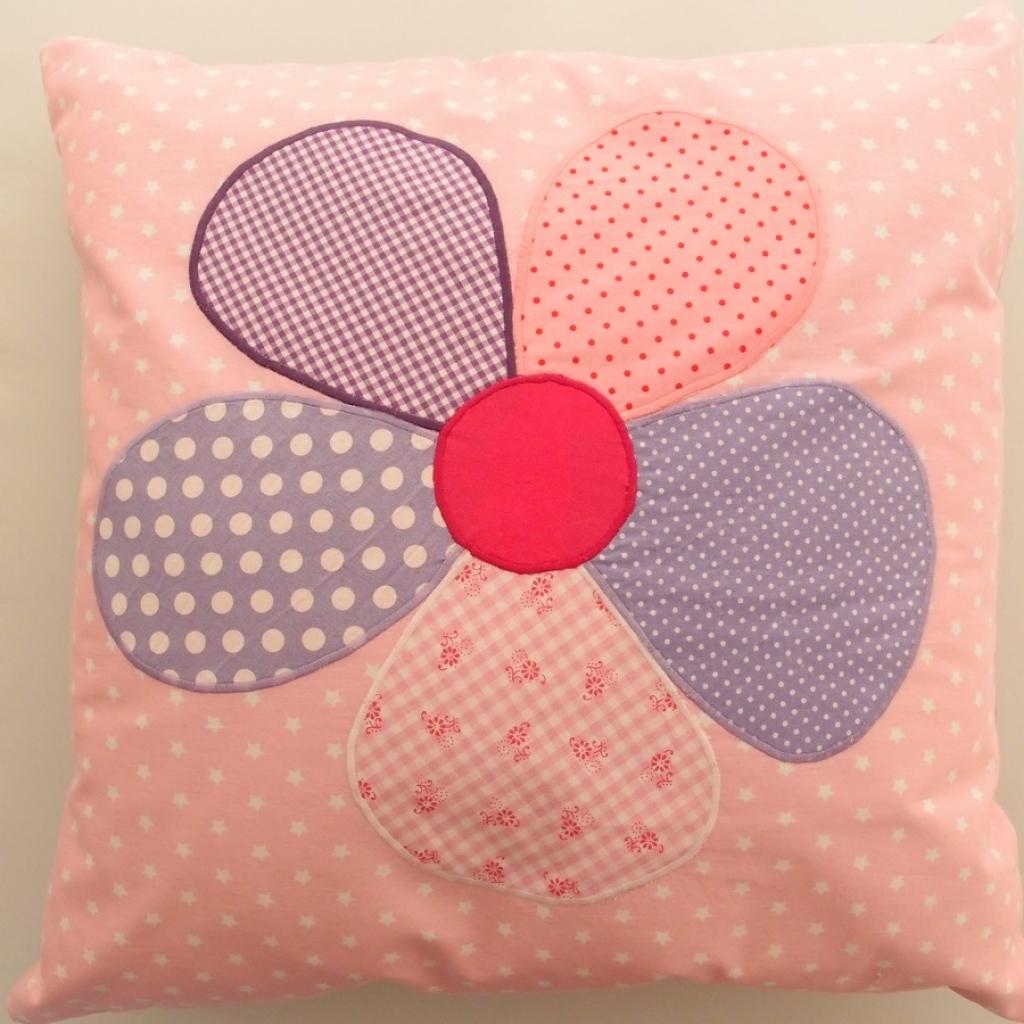kissen blume rosa lila gro marion p. Black Bedroom Furniture Sets. Home Design Ideas